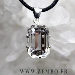 pendentif cristal de roche pur taille emeraude
